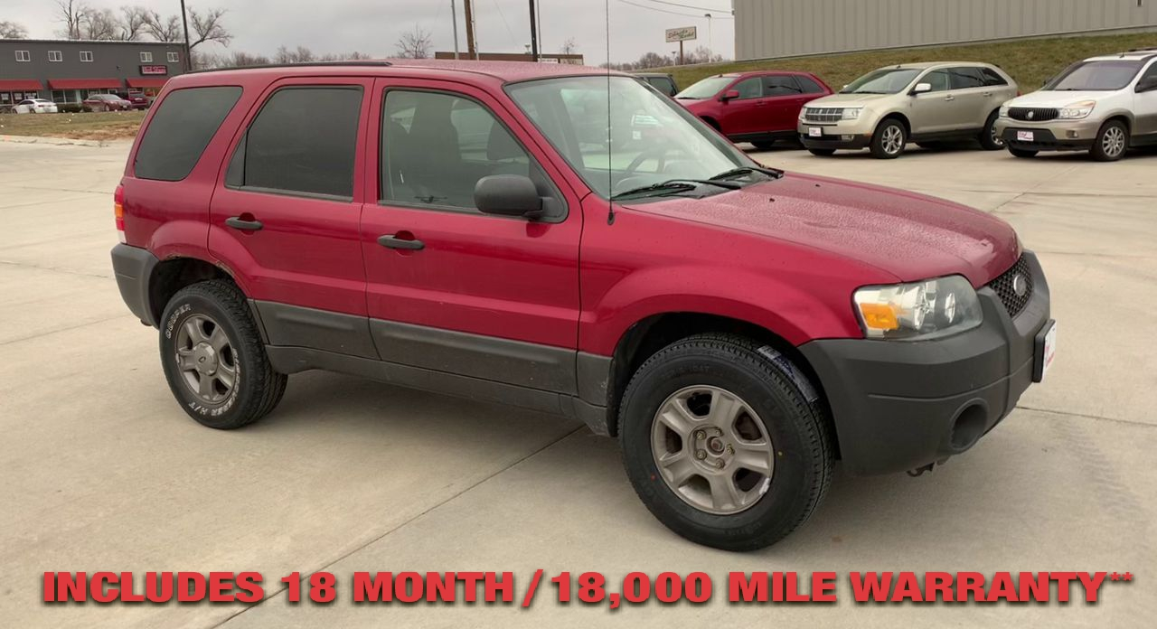 Pre-Owned 2005 FORD ESCAPE XLS Sport