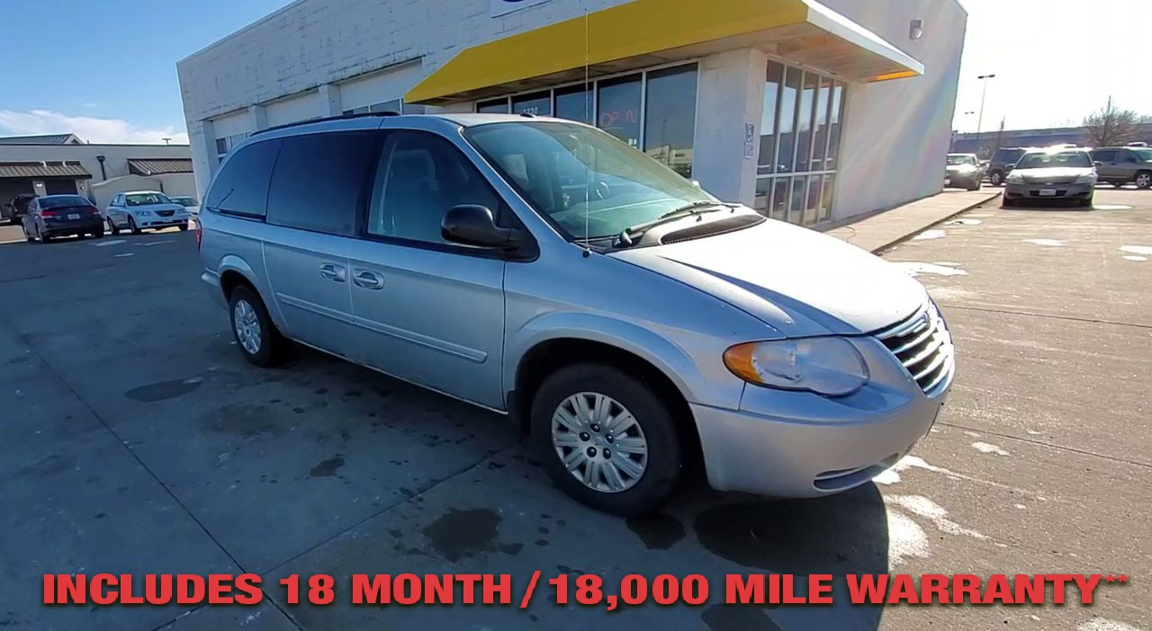 Pre-Owned 2007 CHRYSLER TOWN & COUNTRY LX Minivan