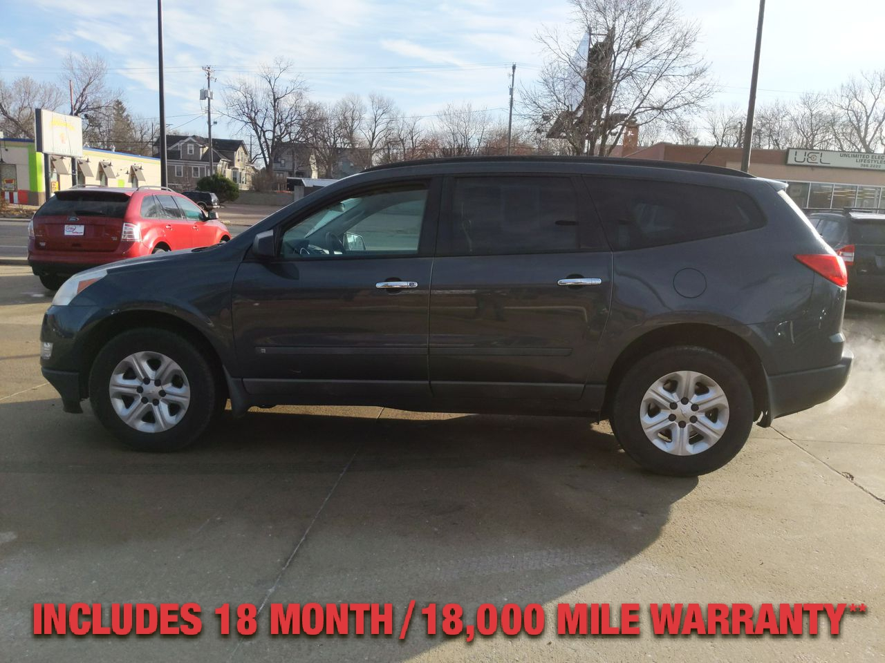 Pre-Owned 2009 CHEVROLET TRAVERSE LS Sport U
