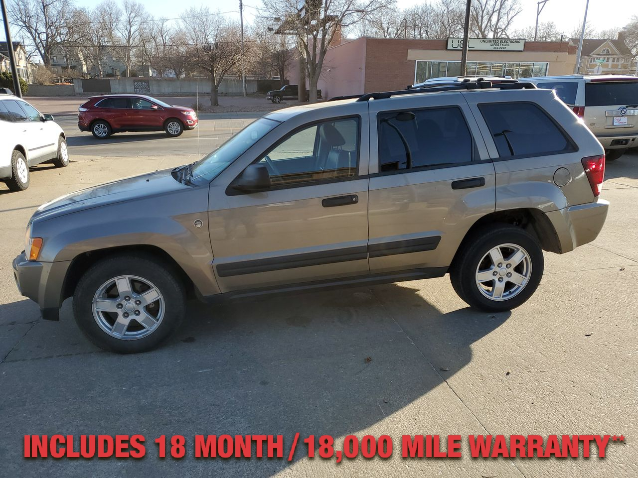 Pre-Owned 2005 JEEP GRAND CHEROKEE Laredo Spo