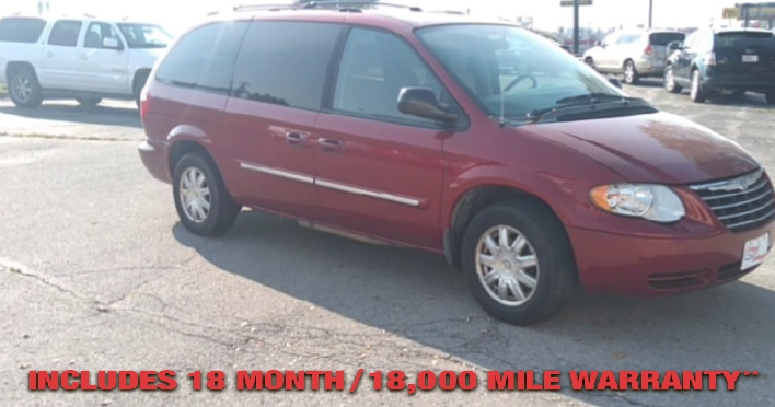 Pre-Owned 2006 CHRYSLER TOWN & COUNTRY Touring Mi