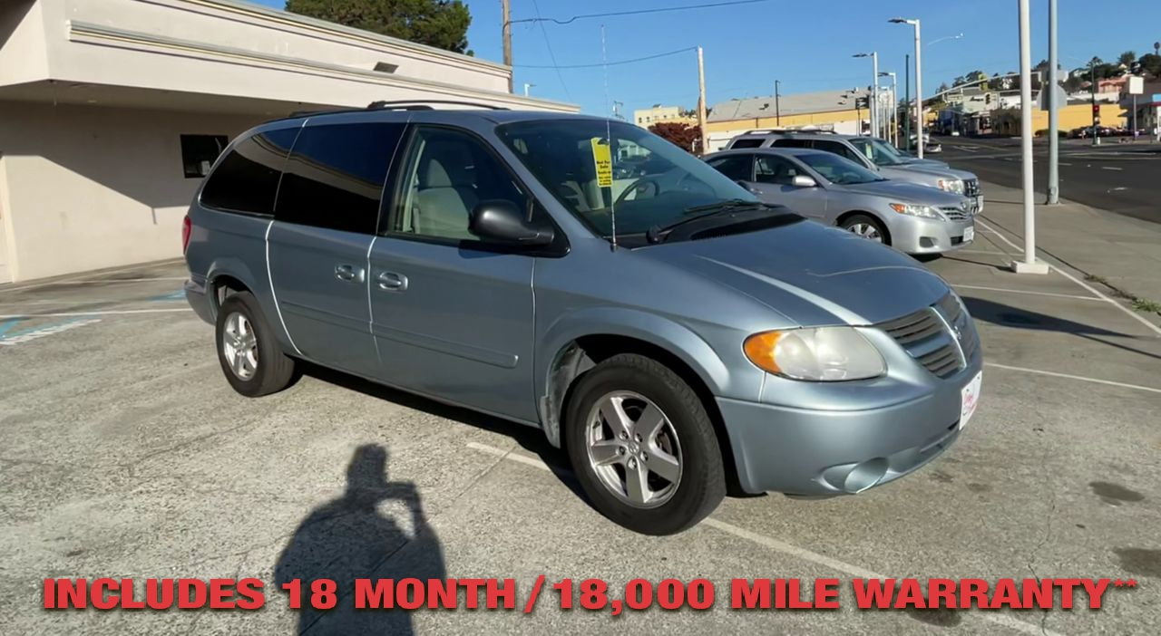Pre-Owned 2006 DODGE GRAND CARAVAN SXT Van 4D