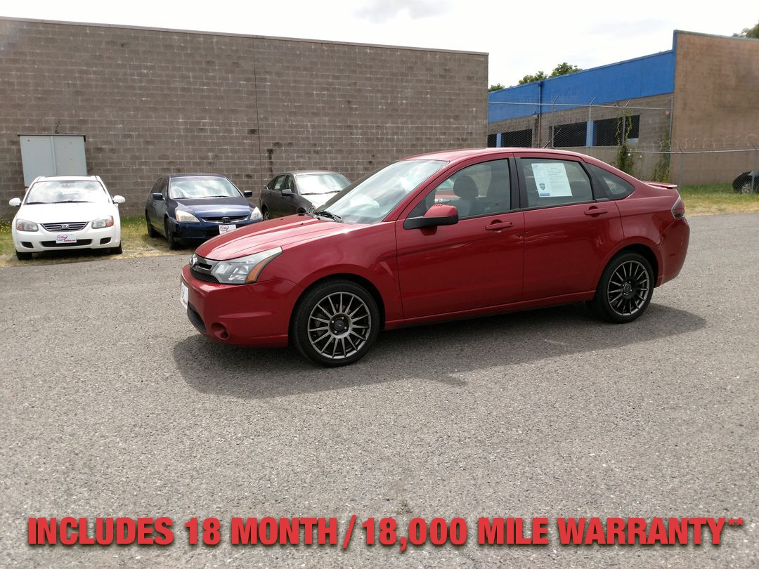 Pre-Owned 2010 FORD FOCUS SES Sedan