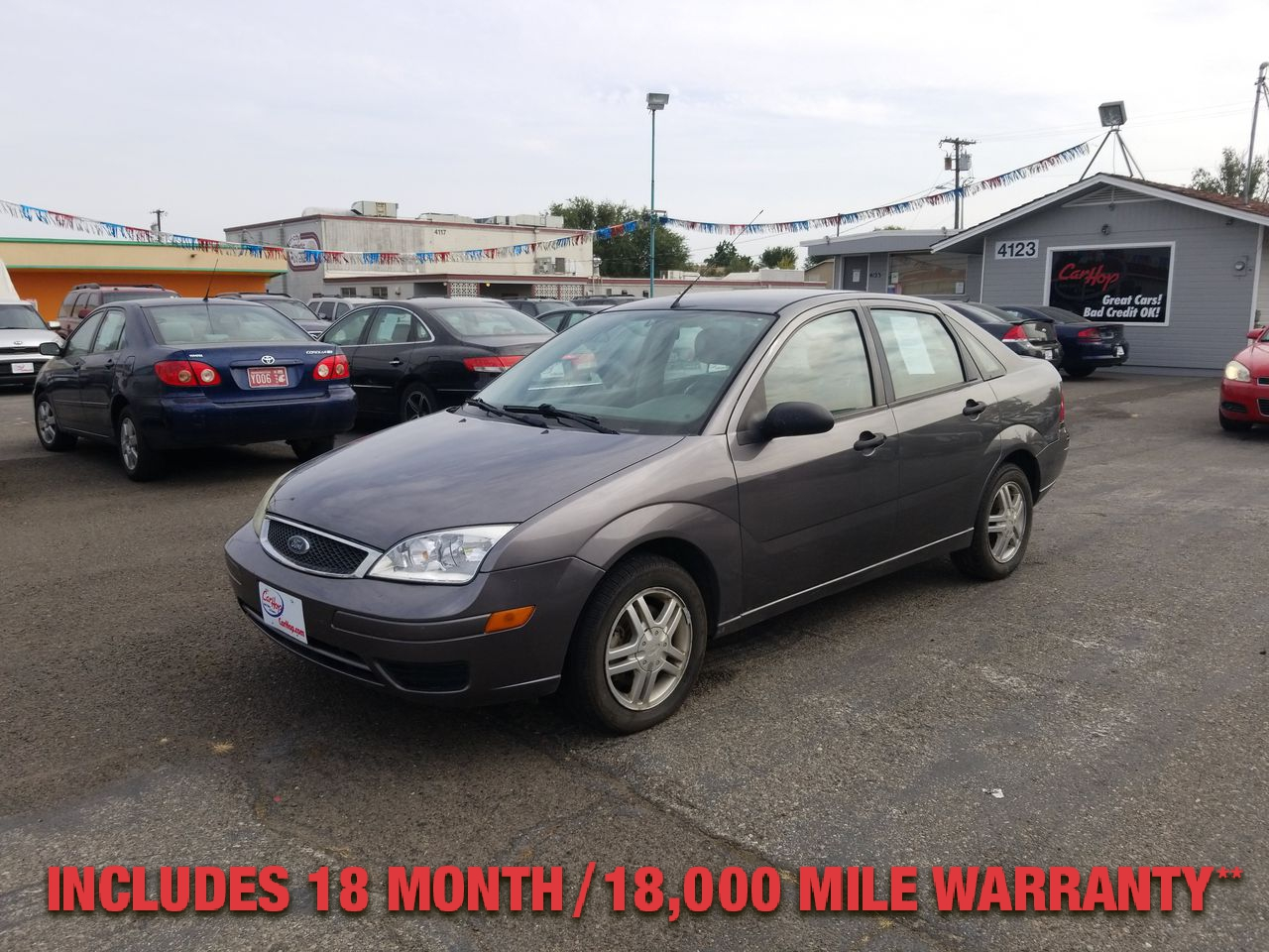 Pre-Owned 2005 FORD FOCUS