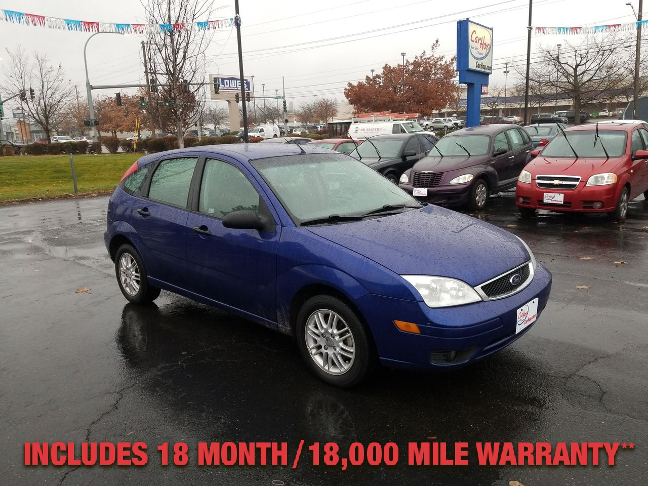 Pre-Owned 2005 FORD FOCUS ZX5 S